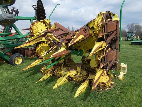 2009 John Deere 710 Forage Head-Rotary For Sale