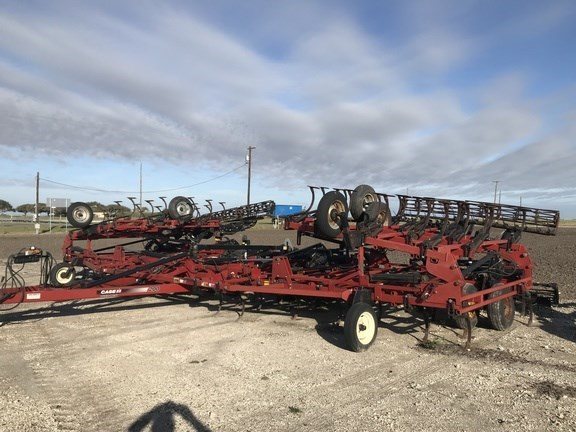 2010 Case IH 200 Field Cultivator For Sale