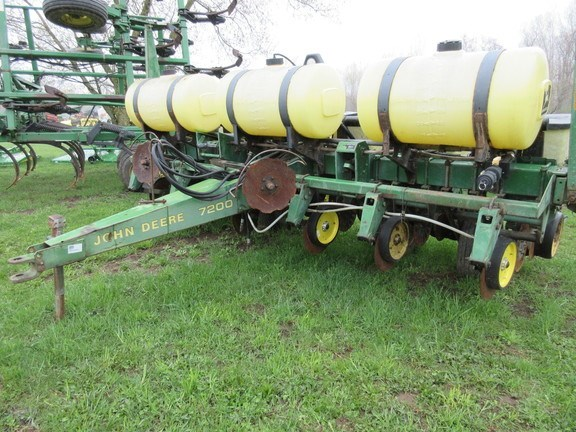 1989 John Deere 7200 Planter For Sale