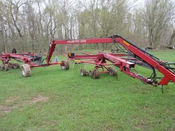 2000 Miller Pro 2250 Hay Rake For Sale