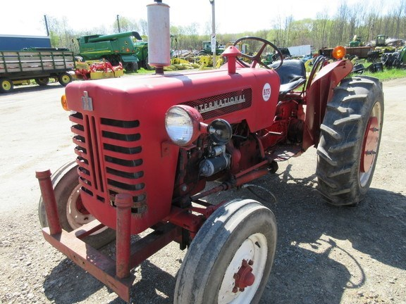 1961 International B275 Utility Tractor For Sale