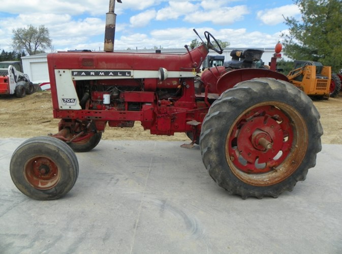 1965 International 706 Tractor For Sale