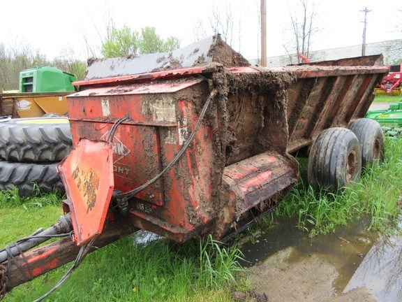 2013 Kuhn 8118T Manure Spreader-Dry/Pull Type For Sale