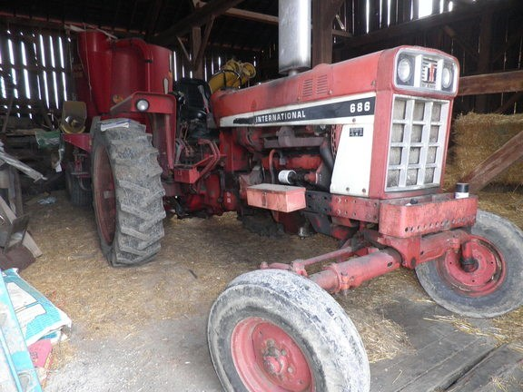 1980 IH 686 Tractor For Sale