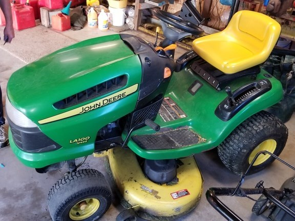 2007 John Deere LA100 Lawn Mower For Sale
