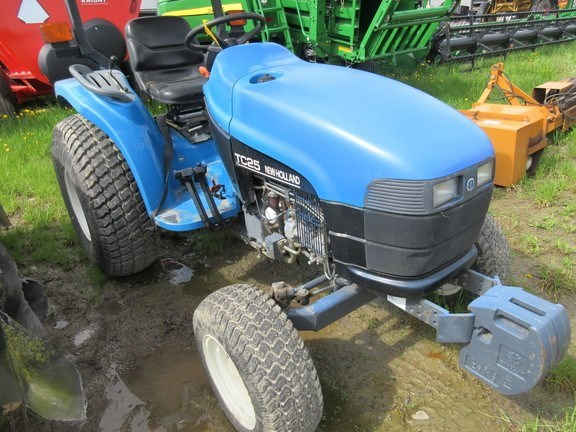2000 New Holland TC25 Tractor - Compact Utility For Sale