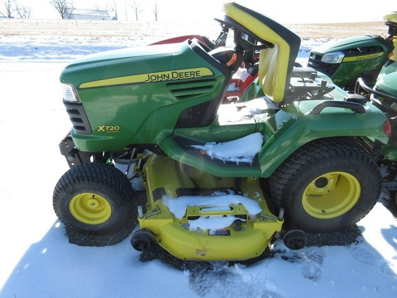 2012 John Deere X720 Lawn Mower For Sale