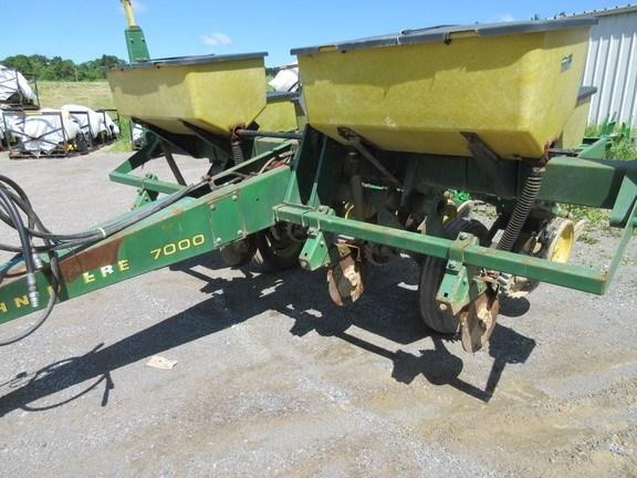1980 John Deere 7000 Planter For Sale