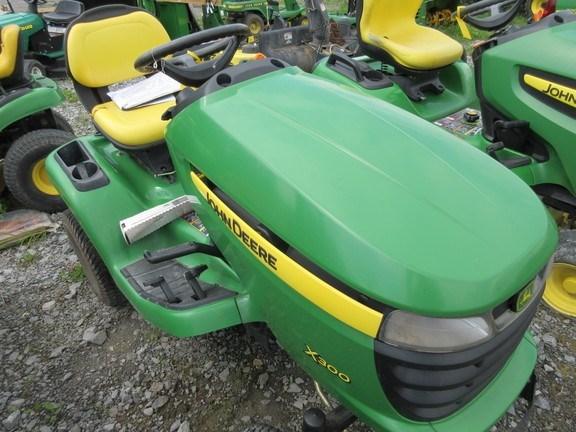 2006 John Deere X300 Lawn Mower For Sale