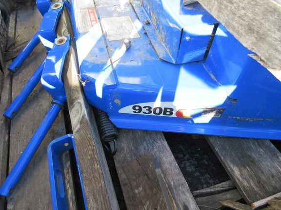 2005 New Holland 930B Finishing Mower For Sale