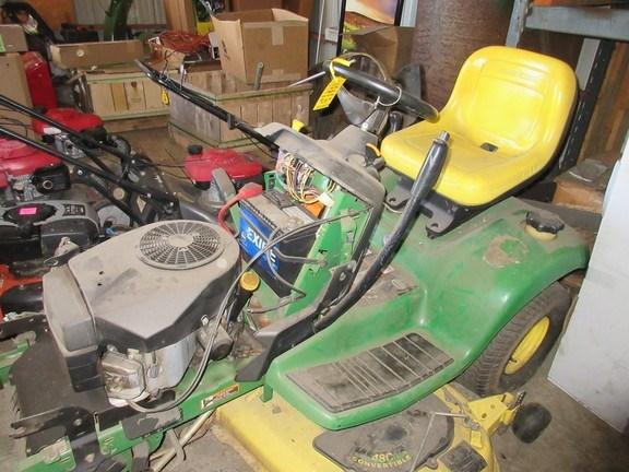 2001 John Deere LX277 Lawn Mower For Sale