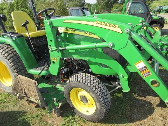 2013 John Deere 3720 Tractor For Sale