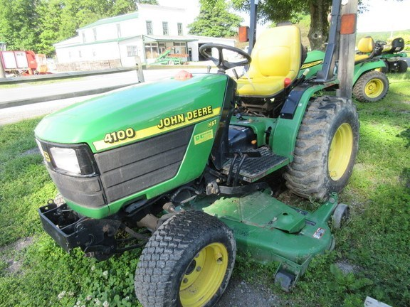 2001 John Deere 4100 Tractor - Compact Utility For Sale