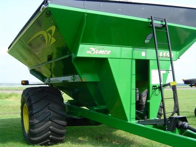 2013 Demco 1150 Grain Cart For Sale