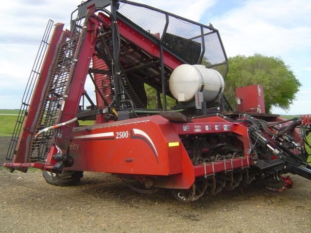 2012 Amity 2500 Sugar Beet Harvesters-Pull Type For Sale
