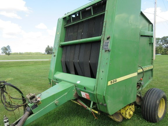 1985 John Deere 530 Baler-Round For Sale
