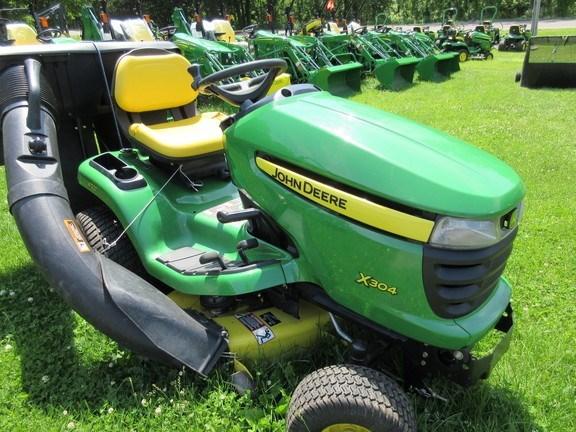 2012 John Deere X304 Lawn Mower For Sale