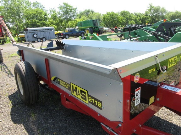 2017 H & S S2112 Manure Spreader-Dry/Pull Type For Sale