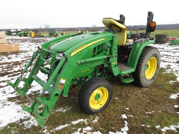 2015 John Deere 3033R Tractor For Sale