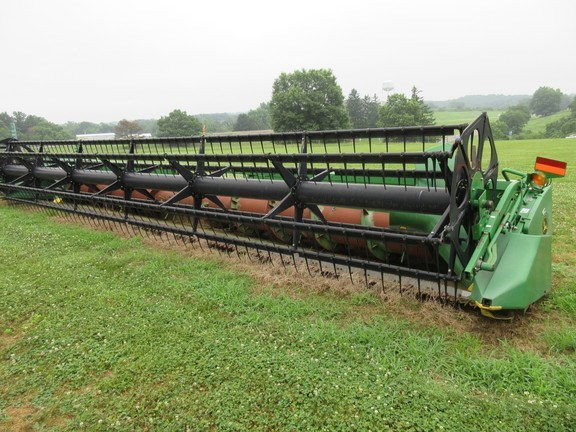 2002 John Deere 930F Combine Header-Auger/Flex For Sale