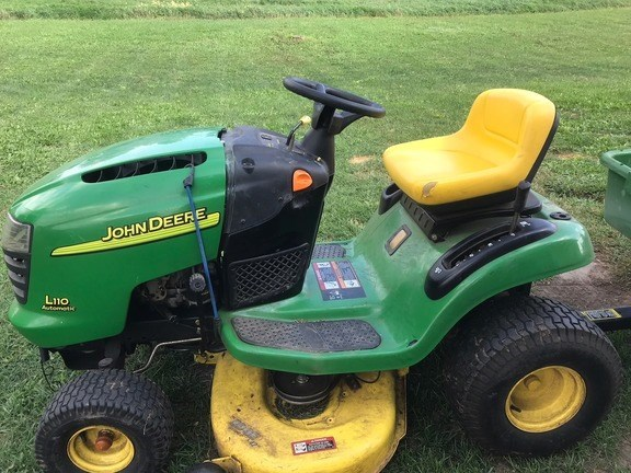 2004 John Deere L110 Lawn Mower For Sale