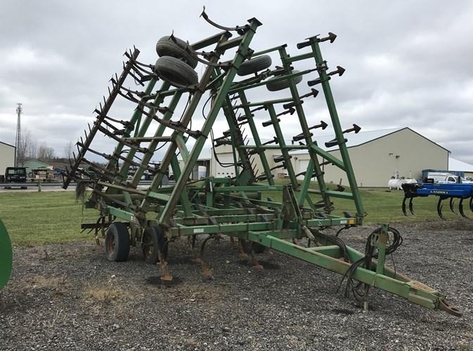 1996 John Deere 980 Field Cultivator For Sale