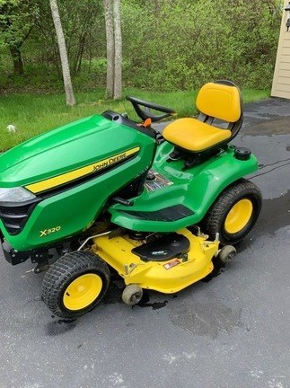 2014 John Deere X320 Lawn Mower For Sale