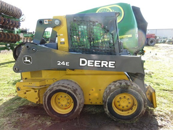 2018 John Deere 324E Skid Steer For Sale
