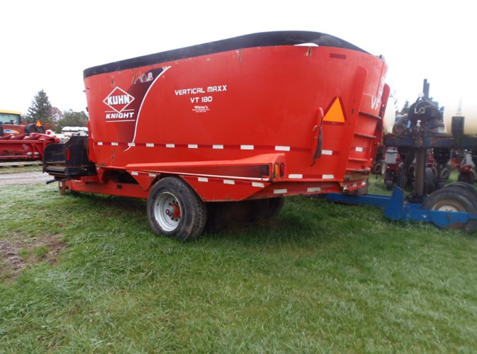 2012 Kuhn Knight VT180 TMR Mixer For Sale