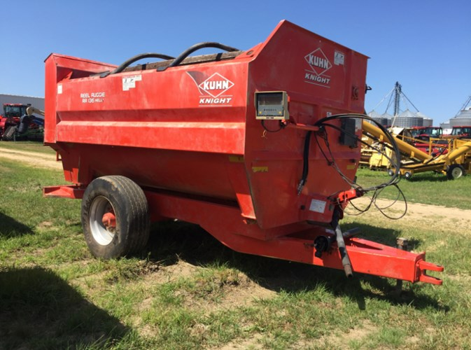 Kuhn Knight RA136T Feeder Wagon-Portable For Sale