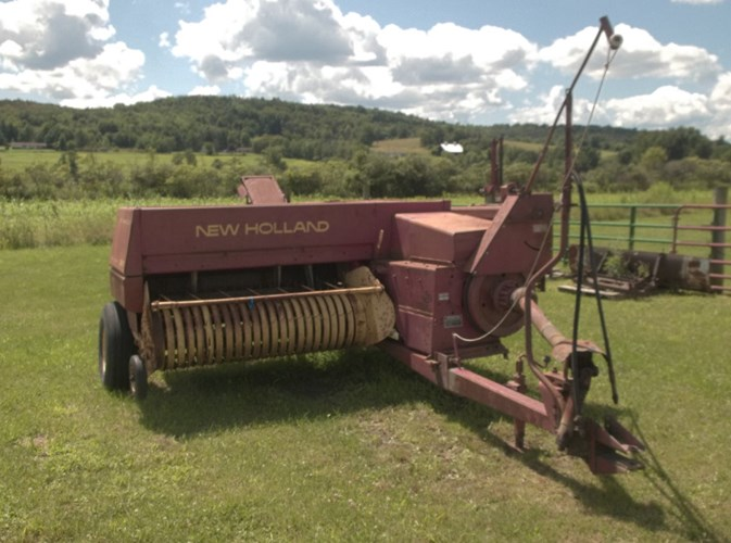 1980 New Holland 320 Baler-Square For Sale