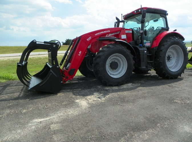 2019 MacDon X7.650 MFD Tractor For Sale