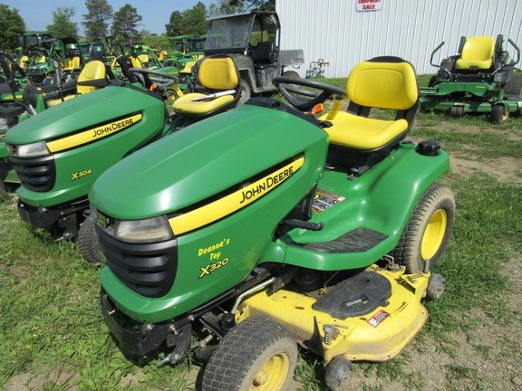 2006 John Deere X320 Lawn Mower For Sale