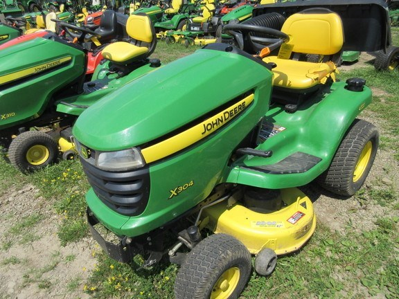 2007 John Deere X304 Lawn Mower For Sale