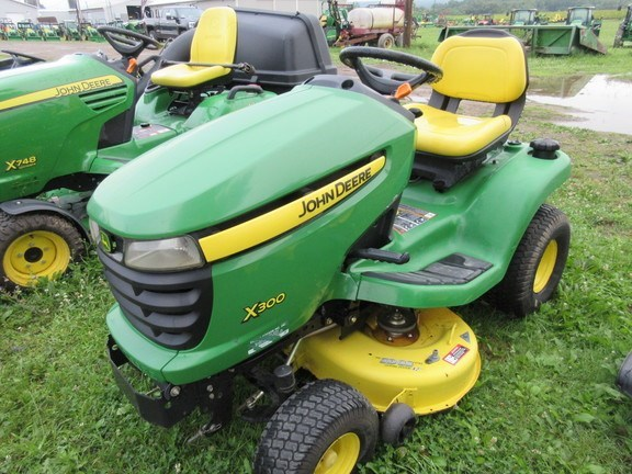 2008 John Deere X300 Lawn Mower For Sale