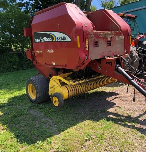 2009 New Holland BR740A Baler-Round For Sale