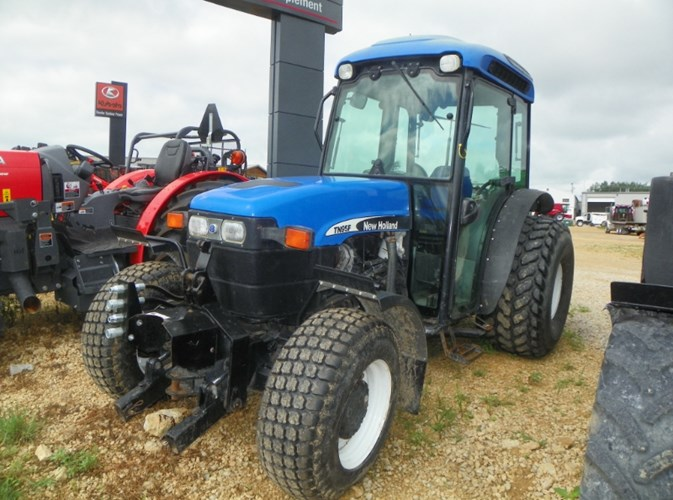 2004 New Holland TN95F Tractor For Sale