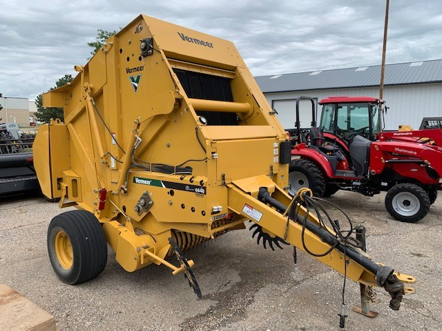2013 Vermeer 6640 Baler-Round For Sale