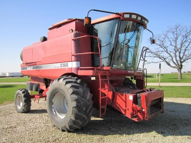 1999 Case IH 2366 Combine For Sale