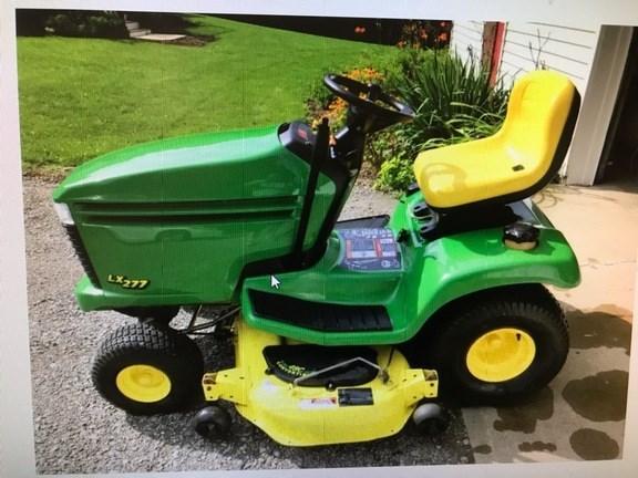 2000 John Deere LX277 Lawn Mower For Sale