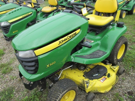 2011 John Deere X320 Lawn Mower For Sale