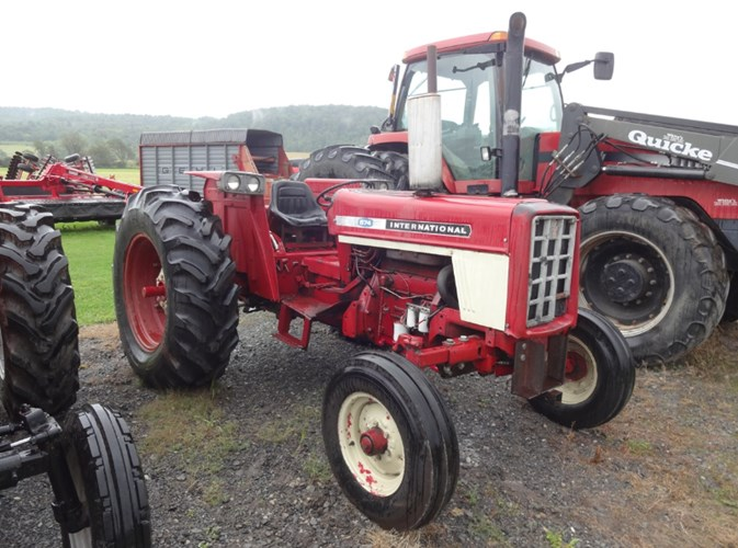 1972 International 574 Tractor For Sale
