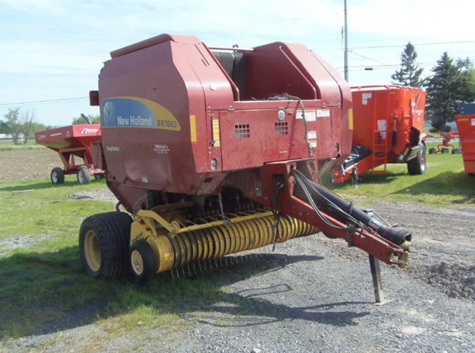 2010 New Holland RB7060 Baler-Round For Sale