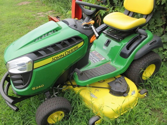 2018 John Deere S240 Lawn Mower For Sale