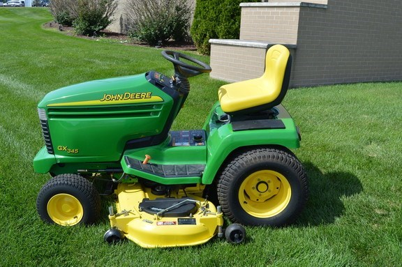 2005 John Deere GX345 Riding Mower For Sale