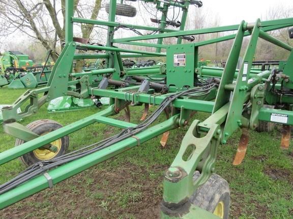 2005 John Deere 2410 Plow-Chisel For Sale