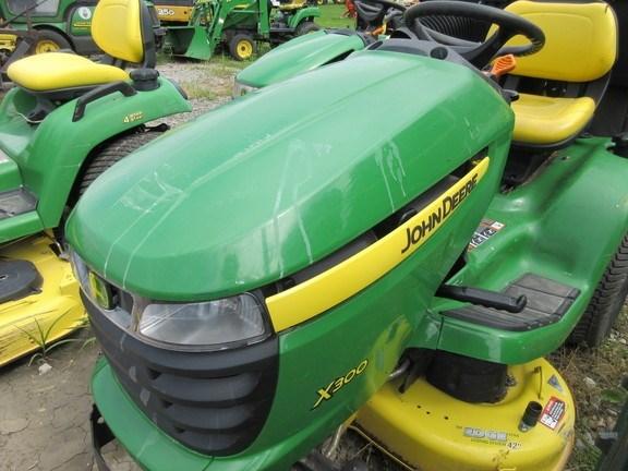 2009 John Deere X300 Lawn Mower For Sale