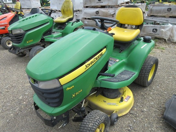 2009 John Deere X304 Lawn Mower For Sale