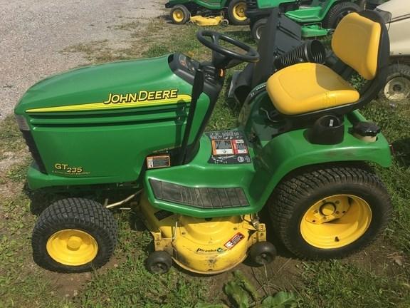 2003 John Deere GT235 Lawn Mower For Sale