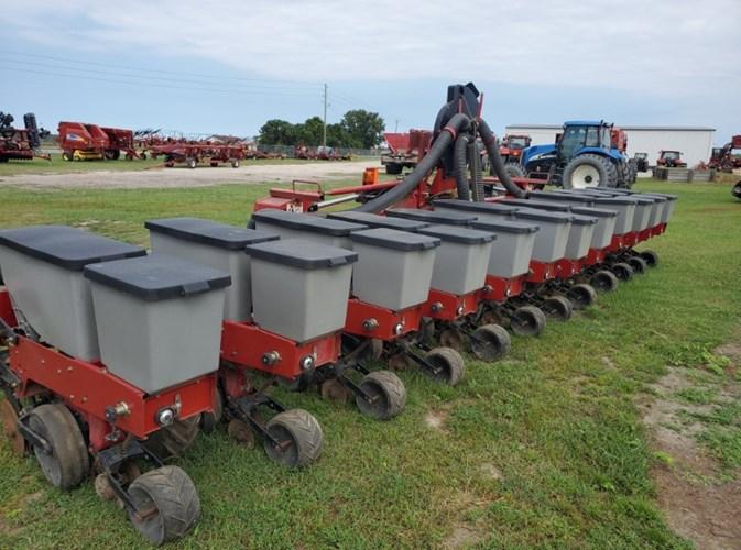 2011 Case IH 1230 Planter For Sale